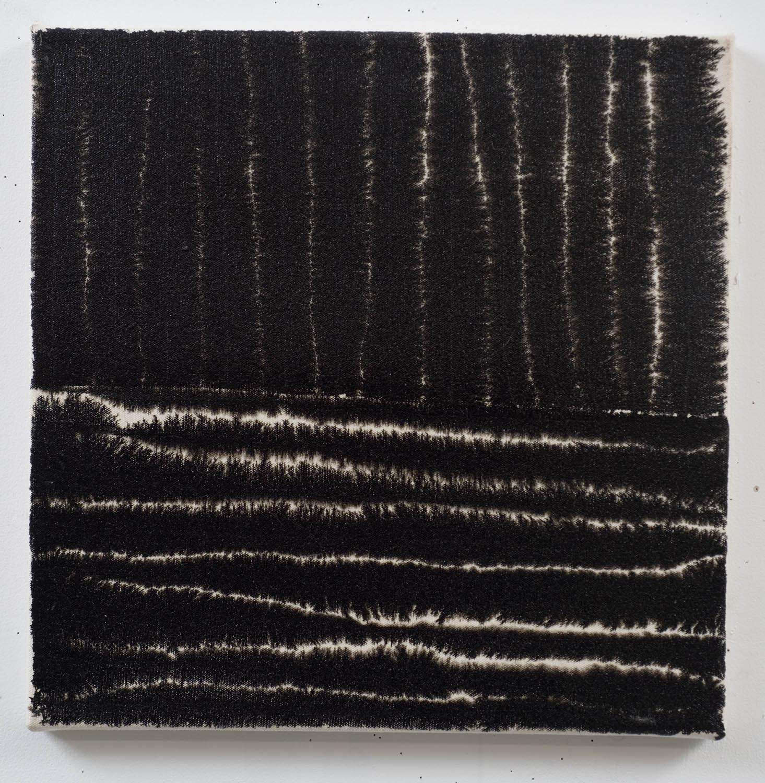 Marie-Claude Bouthillier, Mégalithe 23, 2013, carbone et acrylique sur toile, carbon and acrylic on canvas, 16 1/2