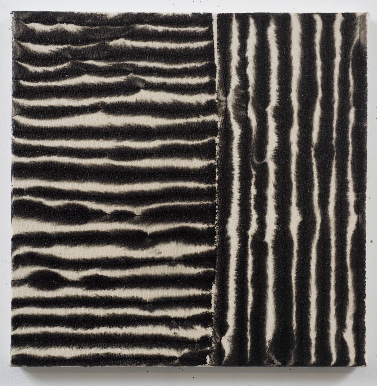 Marie-Claude Bouthillier, Mégalithe 25, 2012, carbone et acrylique sur toile, carbon and acrylic on canvas, 16 1/2