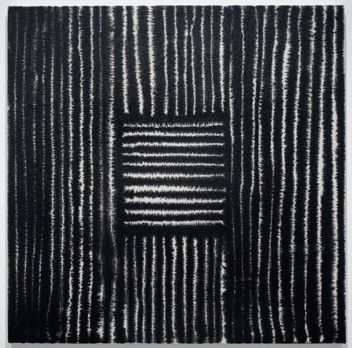 Marie-Claude Bouthillier, Mégalithe 36, 2013, carbone et acrylique sur toile, carbon and acrylic on canvas, 36