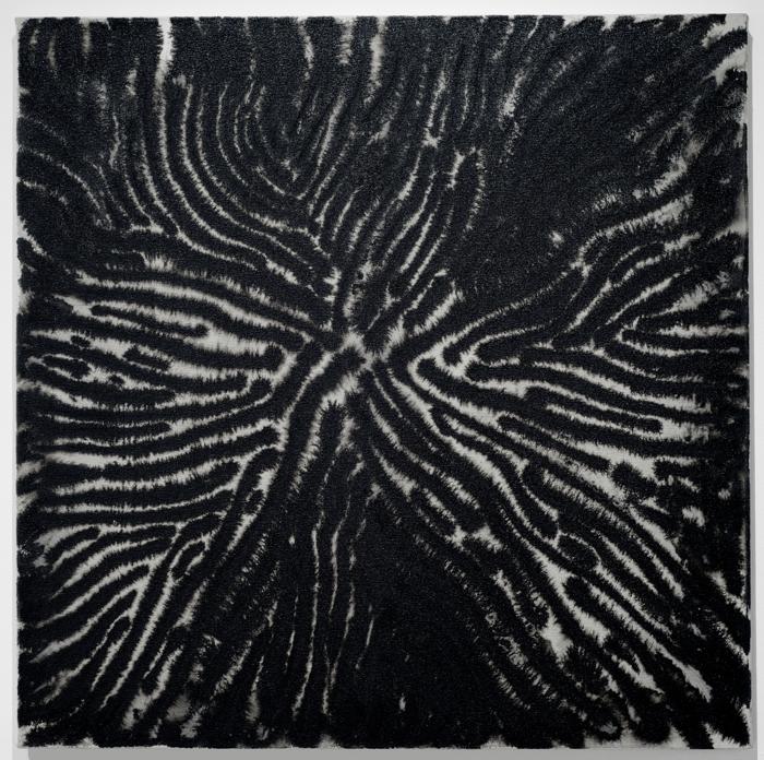 Marie-Claude Bouthillier, Mégalithe 38, 2013, carbone et acrylique sur toile, carbon and acrylic on canvas, 36