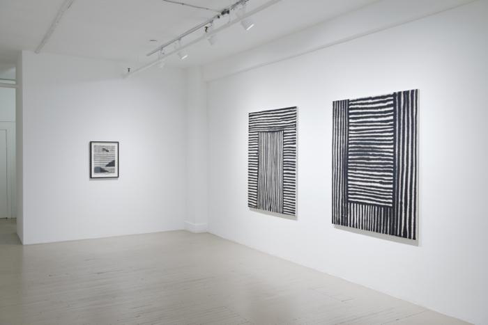 Marie-Claude Bouthillier, Mégalithes, Galerie Hugues Charbonneau, 2013 (photo : Éliane Excoffier)