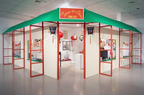 """Karen Tam Terra dos Chinês Curio Shop, 2012-16 """"SHEEN-WAH-ZREE"""" [exposition_exhibition] Musée d'art contemporain des Laurentides, St-Jérôme, Canada"""