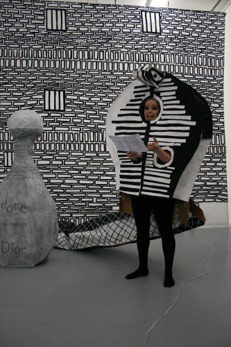 Cynthia Girard-Renard Tous les oiseaux sont ici (performance), 2009 Kunstlerhaus Bethanien, Berlin