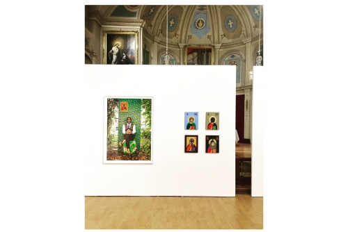 Moridja Kitenge Banza, Authentique No2 et Christ pantocrator, 2019 Quebec City Contemporary Art Fair, Jesuits's Chapel, Québec, Canada (Curator : Florence-Agathe Dubé-Moreau)